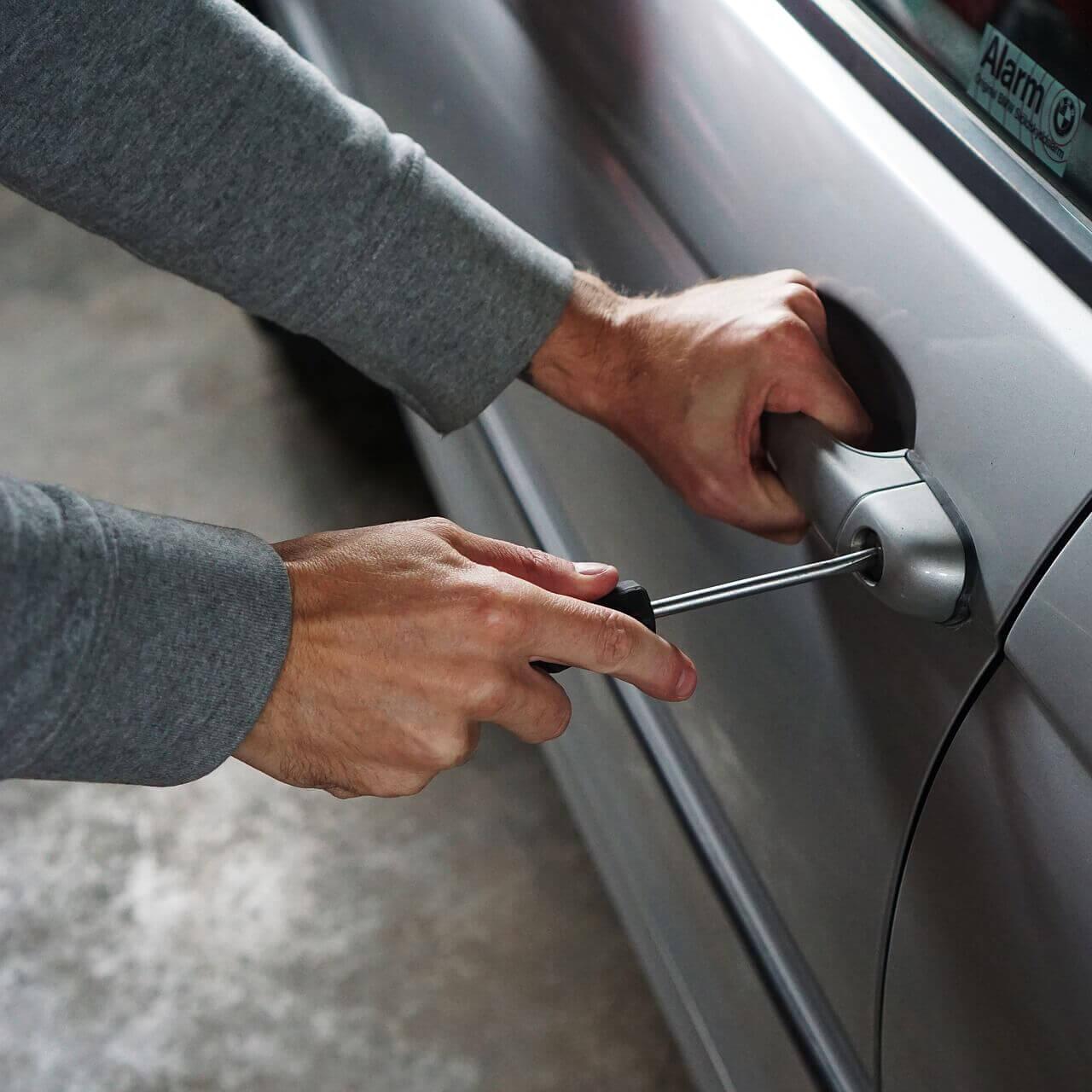 Localizador GPS para robo de vehículos
